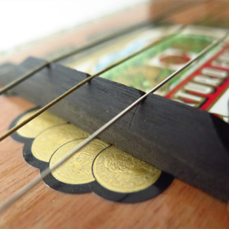 guitarebox_3_instrument_artisanal_recup