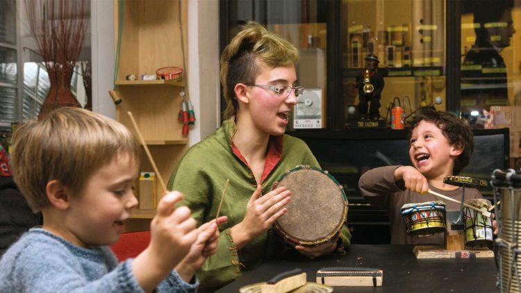 ateliers-pedagogiques-paris-ecologie-art-musique-enfant-talacatak