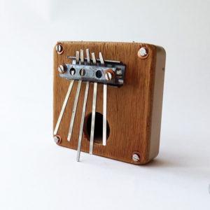 sanza_cigare_metal_petite_1_instrument_artisanal_recup
